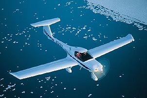 The ice breakup over Lake Huron makes for a dramatic flight setting. Courtesy of Diamond Aircraft Industries.