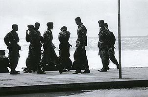 Sri Lankan troops, Galle Face, Colombo. Copyright: Christopher Ondaatje.