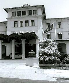 The Galle Face Hotel, most famous hostelry east of the Suez. Copyright: Christopher Ondaatje.