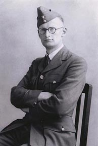 The brilliant Clarke at 28. Courtesy of Sir Arthur C. Clarke, 1943.