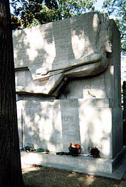 Oscar Wilde's monument is expected to draw huge crowds during the centennial of his death in the year 2000. Copyright: Kathryn Means
